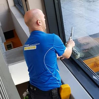 iShine window cleaning - Waterford Window Cleaner